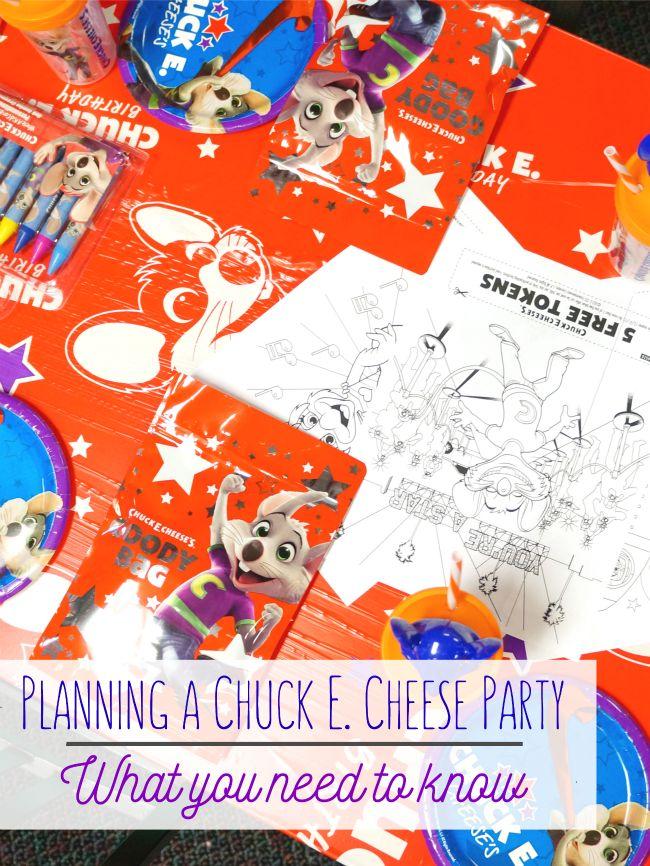 Planning a birthday party at Chuck E Cheese // livingmividaloca.com