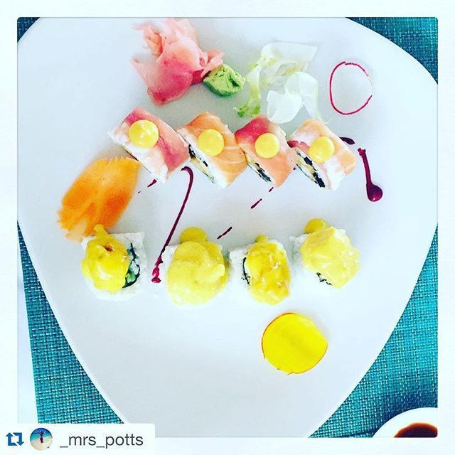 The Two Oceans Restaurant won the 2013 TripAdvisor certificate of excellence award and consistently rated among the Top 10 restaurants in Cape Town. The restaurant prides itself in offering sublime sushi. Pic: @_mrs_potts #twooceansrestaurant