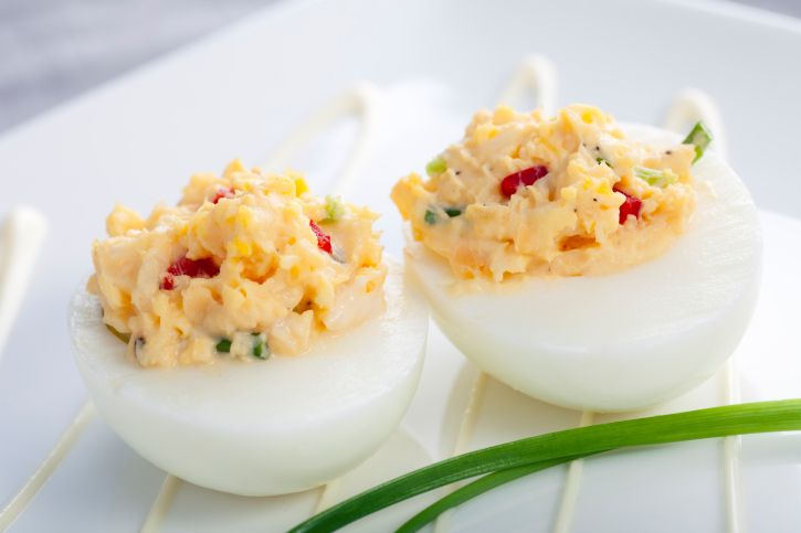 Bocaditos de huevo y picante