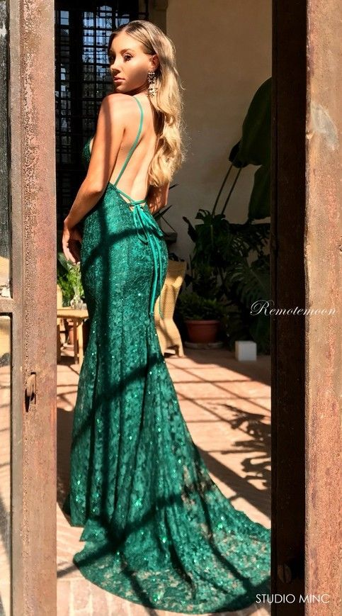 2be4254de8326 Sexy Spaghetti Straps V-neck Low Open Back Prom Dresses Mermaid Emerald  Green Lace Evening Dress Long Graduation Formal Dress in 2019 | Long prom  dresses ...
