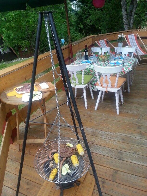 Ferienhaus nahe Chiemsee- gemütlich auf der Terrasse frühstücken oder das Abendessen genießen. Hmmm.... Mehr unter ferienhaus-nahe-chiemsee.de