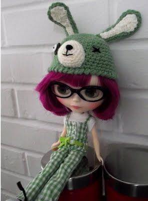 Zombie Bunny Hat for NeoBlythe dolls. I wonder if this will fit my boy's bunny love?