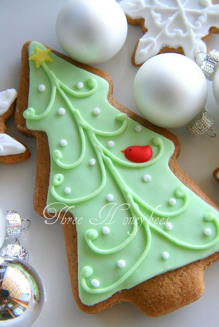 Christmas Tree Cookie by Three Honeybees, via Flickr