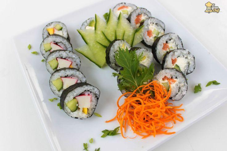 Hacer arroz blanco es uno de los básicos de la cocina. Sin embargo, hacer arroz para sushi es completamente diferente. Su método de preparación es un poco más larga que la forma de preparar el arroz occidental, aunque es esencial para que nos quede un sushi bien hecho, sabroso y rico.A continuación veremos la form