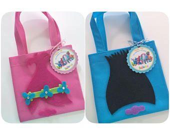Conjunto de 12 Trolls Favor bolsas con etiquetas personalizada gracias, parte de los Trolls, Trolls favores fiesta de bolsos de fiesta, cumpleaños de Trolls, Trolls, Trolls.