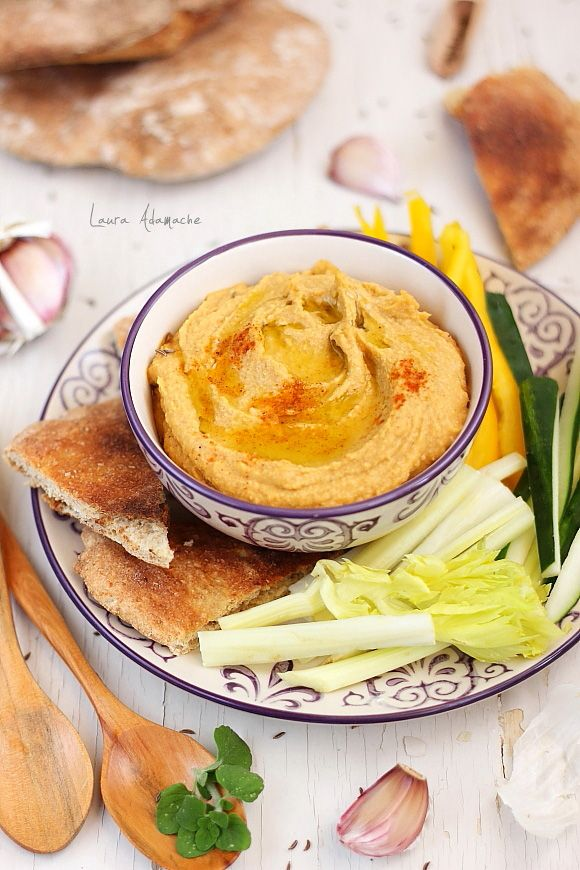 Hummus with roasted peppers