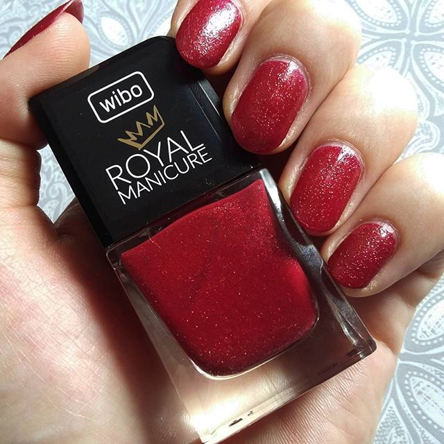 Od trzech dni na paznokciach Wibo Royal Manicure nr 1 @wibopl #royalmanicure #rednails #red #nailpolish