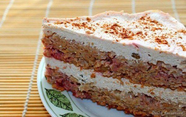 Творожно-овсяный торт с клубникой