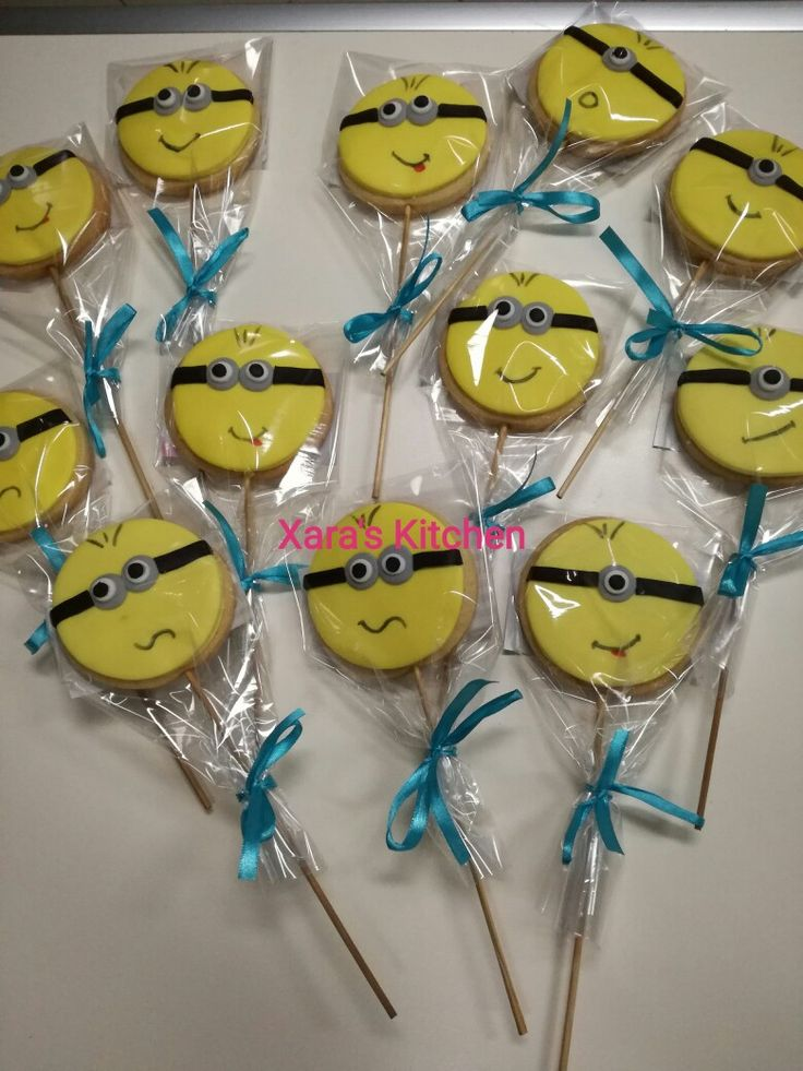 Minion cookies Xara's Kitchen