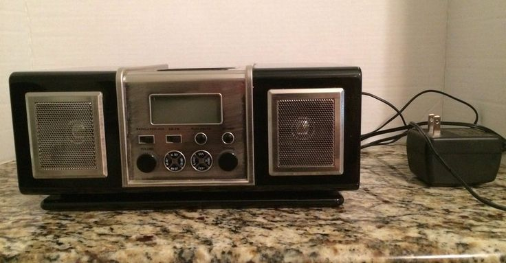 Pottery Barn MP3 Alarm Clock Radio IPOD Charger AUX Am Fm Black and Silver #UnbrandedGeneric