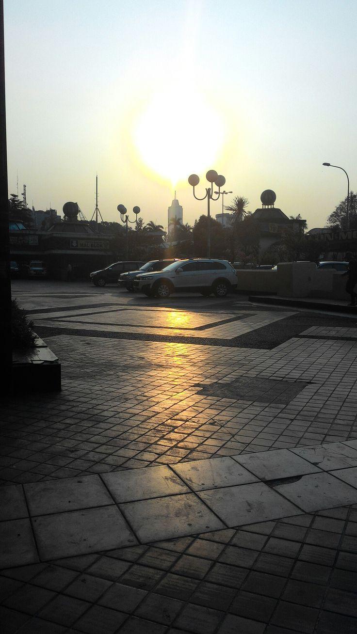 The Sunset, blok M, Jakarta