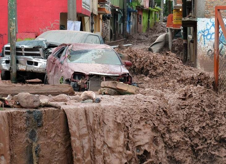 09/17/2013 - Extreme Weather in Southern Mexico: Flooding from heavy rains, 21 people dead, thousands of homeless and isolated, landslides.Southern Mexico, Mexico Lindos