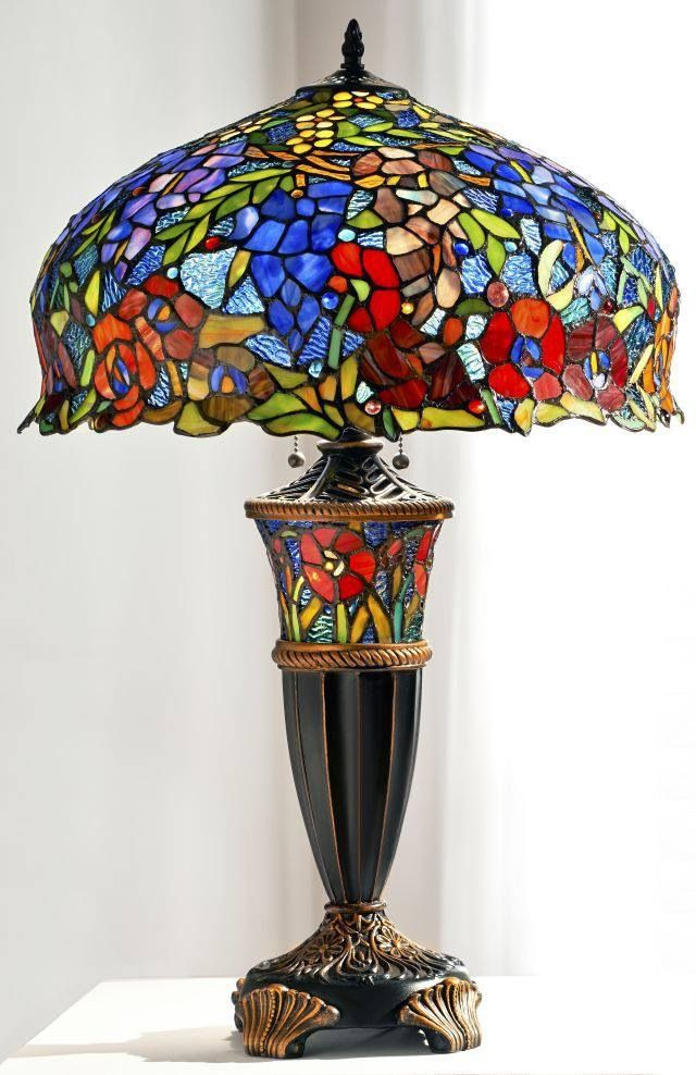 love these  tiffany style lamps !
