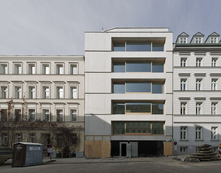 Zanderroth Architekten - Housing block (made of light-weight concrete), Berlin 2014. Photos © Simon Menges.