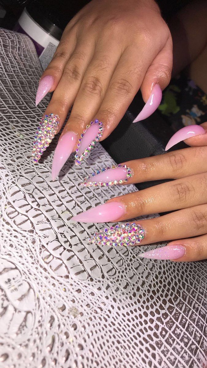 For More Lit Pins Follow Pinterest Glowxsin Bling Nails Pink Nails Stiletto Nails Designs