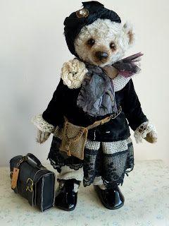Anna Koetse • Bears & Stuff.  How adorable is this little bear!!!!!!!!!  Oh, my!!!!!!!!!!!