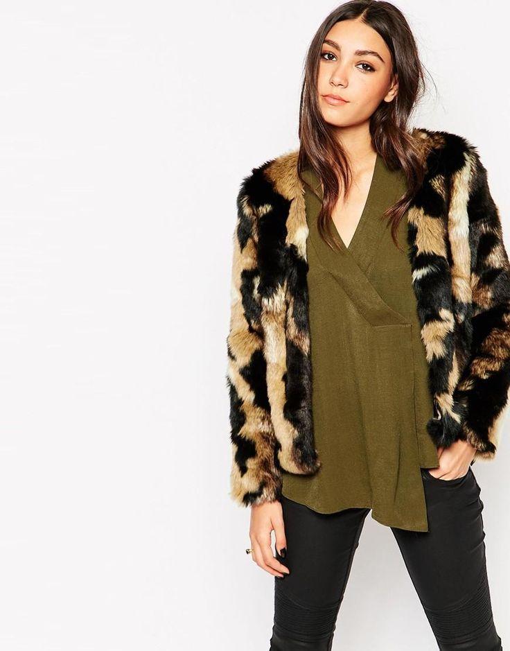 Abrigo peludo para Fashion Week