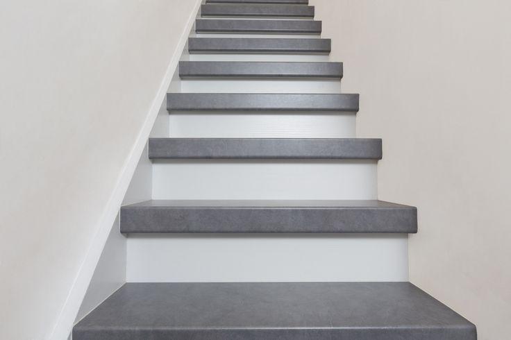 Betonnen trap in kleur Stone Storm exclusief verkrijgbaar bij NEWstairs #Trendy #Exclusief #Prachtig #Traprenovatie