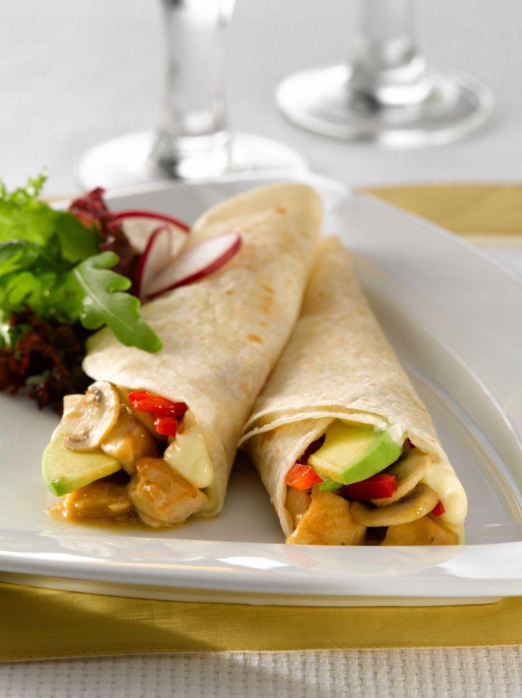 Una noche entretenida para preparar unos deliciosos Wraps de Pollo con Verduras, el momento perfecto para compartir en familia.
