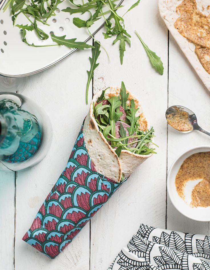 RICETTE SVEDESI di IKEA: Wrap con salsiccia di alce, senape e rucola - scopri la ricetta su https://nuovecollezioni.ikea.it/ricettesvedesi_2016/