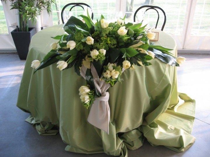 Bien connu Oltre 25 fantastiche idee su Composizioni floreali per tavolo su  GQ35