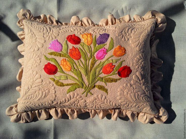 Купить Лоскутная подушка. Декоративная наволочка БУКЕТ, аппликация, стежка - лоскутная наволочка, аппликация из ткани