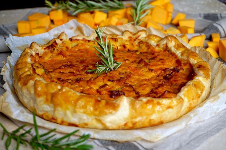 TORTA SALATA CON ZUCCA E SPECK La Torta Salata con Zucca e Speck è un Piatto Unico (ma non solo) a dir poco straordinario! I 3 Sapori Autunnali, Zucca, Spe