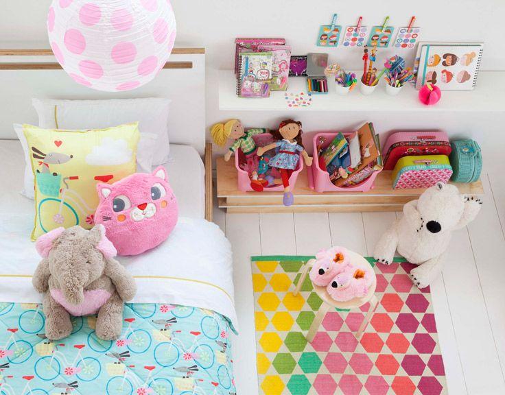 Porque no todo tiene que ser rosado, combina celeste, amarillo y neutros para darle carácter a la pieza de tu hija. Verano 2016
