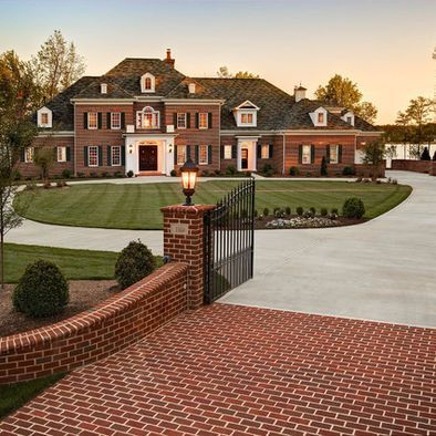 Captivating How To Improve The Look Of A Driveway. Traditional Brick HomeLuxurious ...