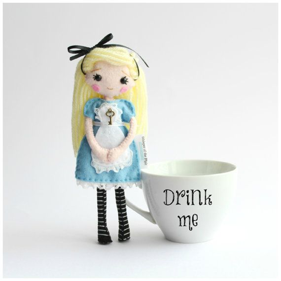 18cm Alice in Wonderland Felt Doll with Key, Fairytale Doll, Fantasy Present, Doll in Gift Box, Blond Doll