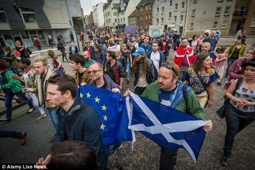 Protests in London as 2m people call for 2nd referendum on EU - http://www.thelivefeeds.com/protests-in-london-as-2m-people-call-for-2nd-referendum-on-eu/