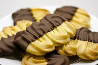 gluten free Viennese biscuits - ill be making these for Christmas.