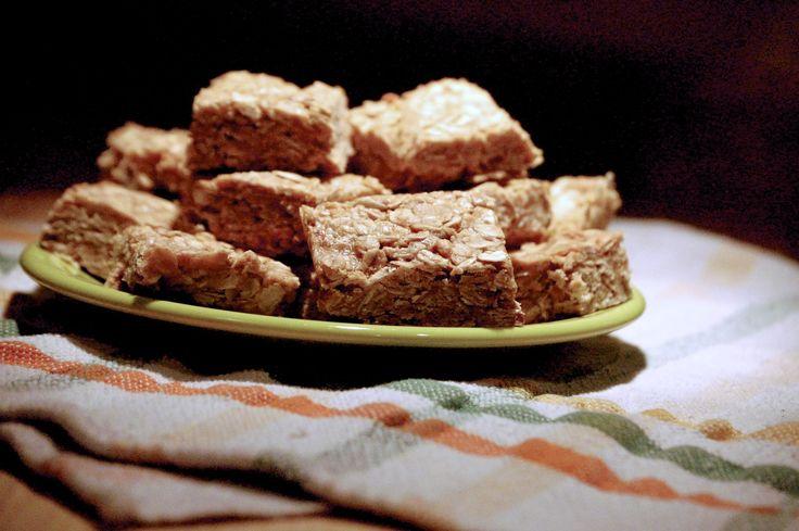 Three ingredient no-bake oatmeal squares - Bacon Bits