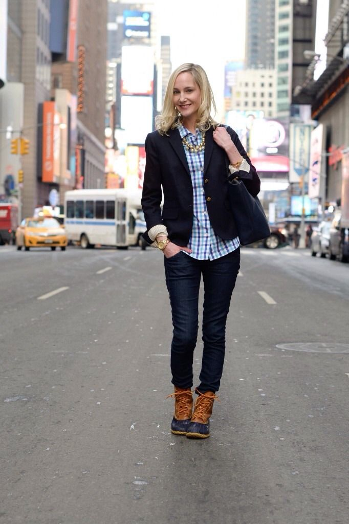 Kelly Larkin of Kellyinthecity.com -- L.L.Bean #BeanBoots in Times Square.