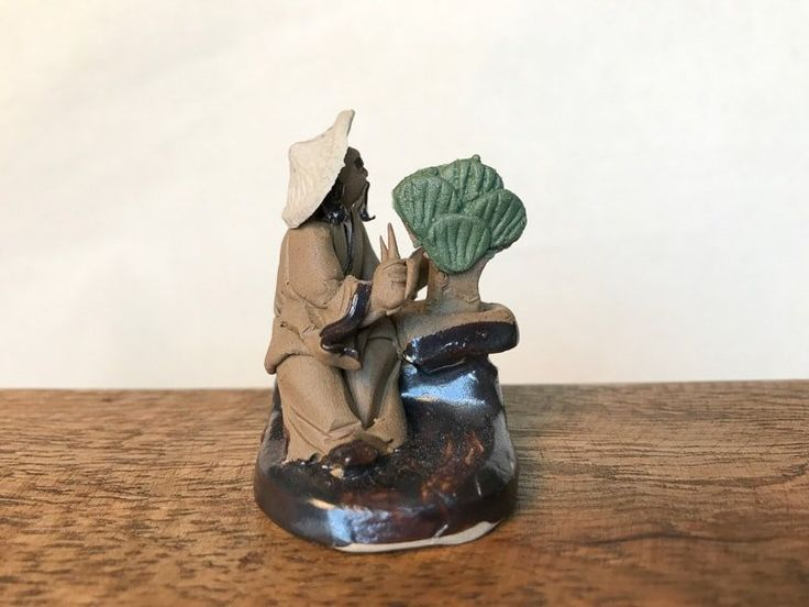 Bonsai mudman figurine with hat and scissors – accent figurine for bonsai trees