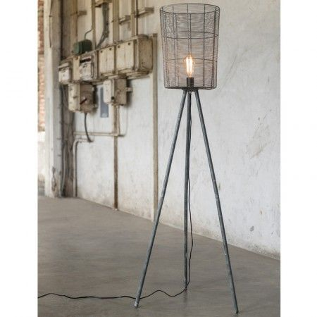 Hoge metalen vloerlamp