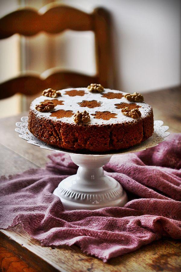 Gâteau persan aux noix : mélange intéressant de noix, d'épices et de café...