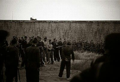 Spain - 1936. - GC - Pelotón de fusilamiento del general Fanjul el 17/8/36 en la cárcel Modelo.