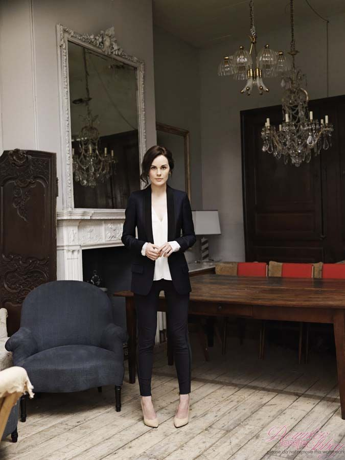 Michelle Dockery looks amazing, but this really just makes me want Downton season 3 NOW.