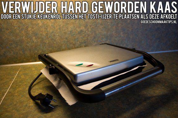 Tosti-ijzer schoonmaken? Stop een stukje keukenrol tussen het ijzer als deze afkoelt. Meer tips vind je op www.goedeschoonmaaktips.nl