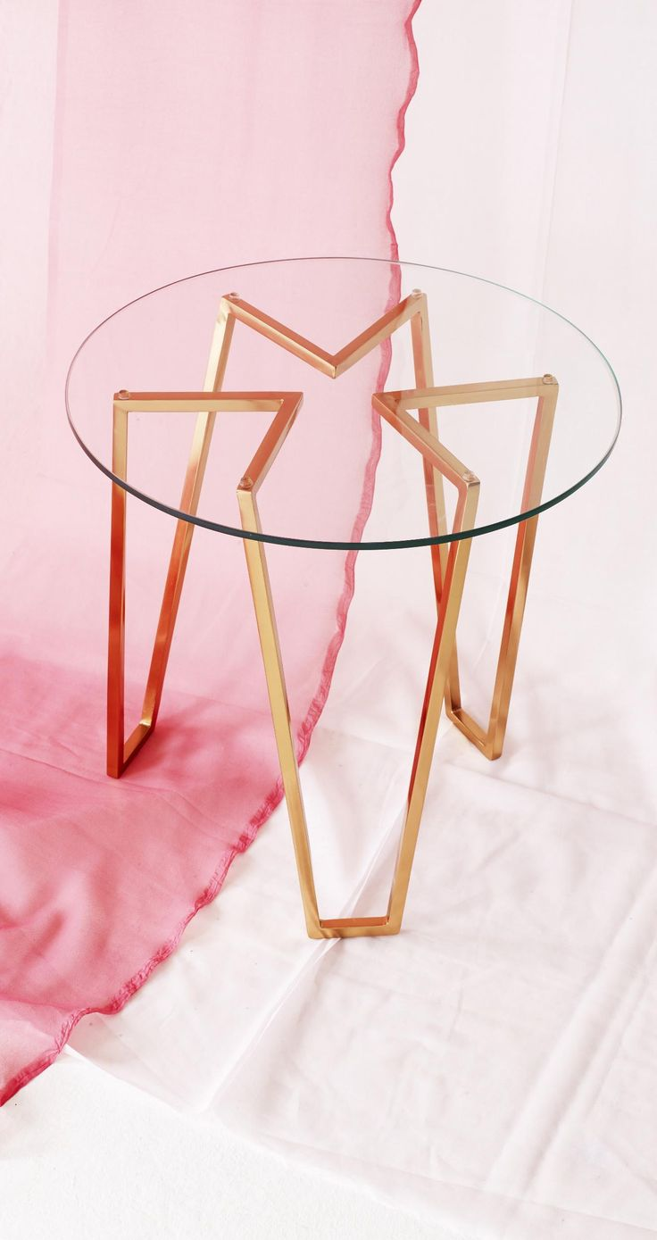 Bringing a touch of chic to your living room or bedside, the Galaxite is the star of all side tables.
