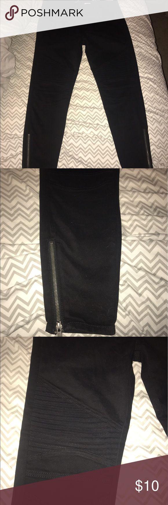Moto jeggings Black, never worn before, size large white plum Pants Skinny