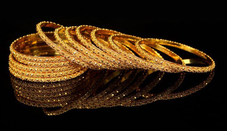 http://shefashiontrend.com/wp-content/uploads/Gold-Bangles-new-design-2.jpg