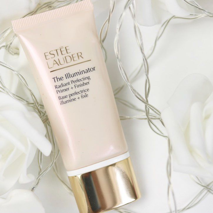 Beautiful Illuminator Estée Lauder Primer. Perfect for brightening the face and highlighting on top of foundation. Dual purpose primer and highlighter. Champagne, pearl look to the illuminating primer.