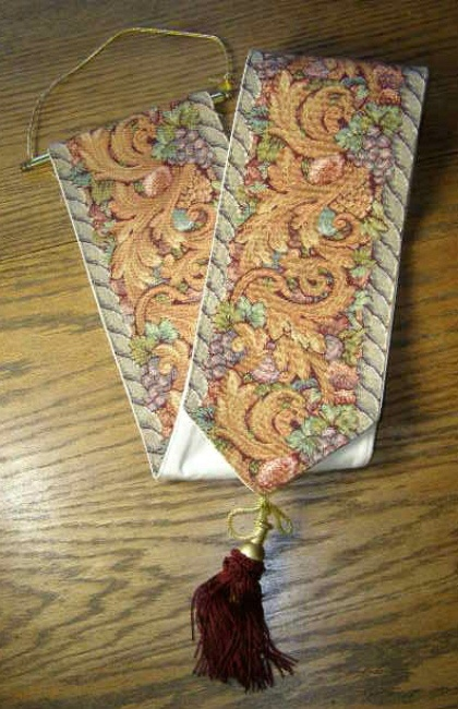Italian Tapestry Bell Pull Florence Italy Grapes Design