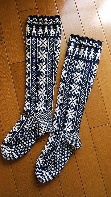 Ravelry: BUHIBUHIs M. fair isle socks (box heel) P86