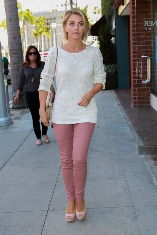 Jullianne Hough - The right pink pants styling with this lovely light white sweater!!!!!!!