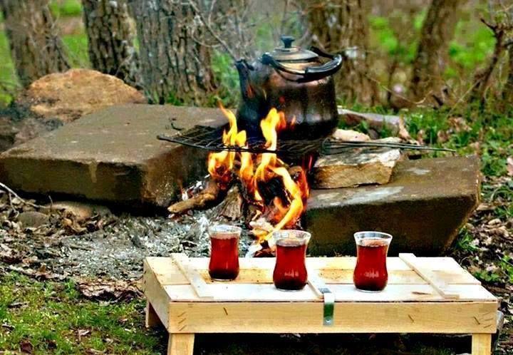 Haydin Doğada Çay İçmeye  Çayın iyisi odun ateşinde, İnsanın iyisi gönül ateşinde demlenir..!! Kaç Şeker