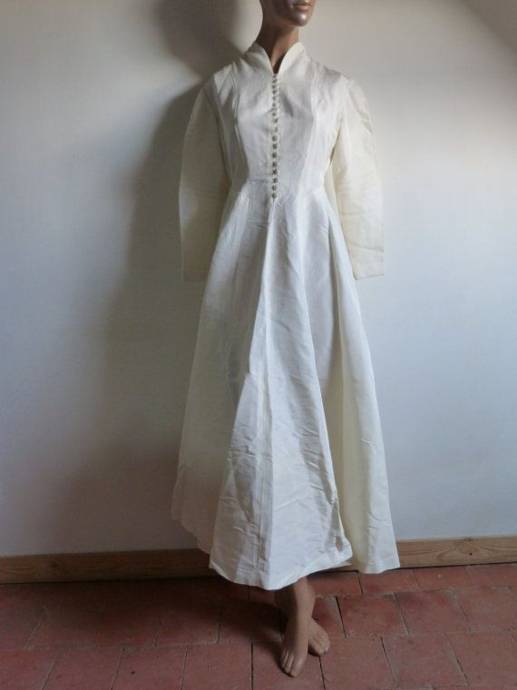 ... long sleeved wedding dress - size 36 or S - French 40s 50s vintage