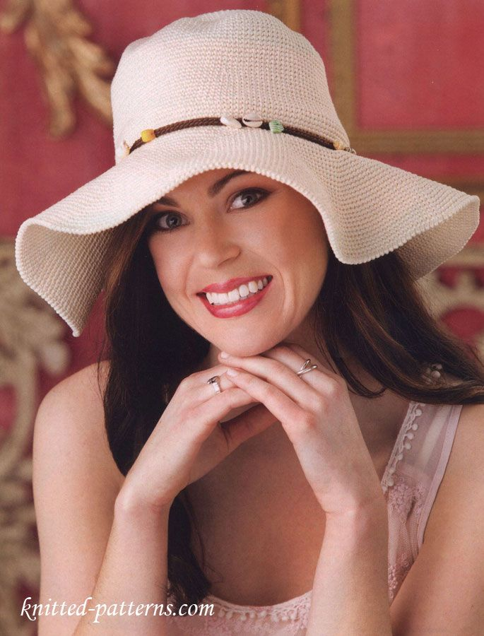 Free Crochet Wide-Brimmed Hat pattern from knitted-patterns.com